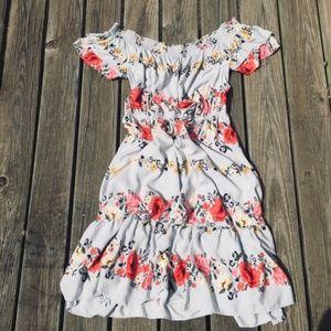 Old Navy Floral Full Skirt Off Shoulder Dr…